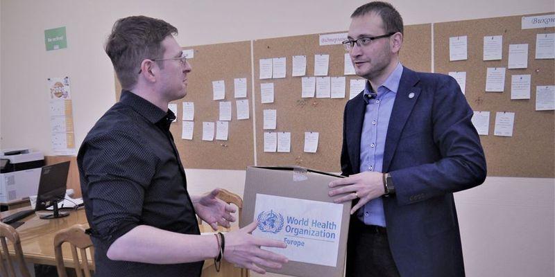 ВОЗ передала Украине вторую партию реагентов для тестирования на коронавирус